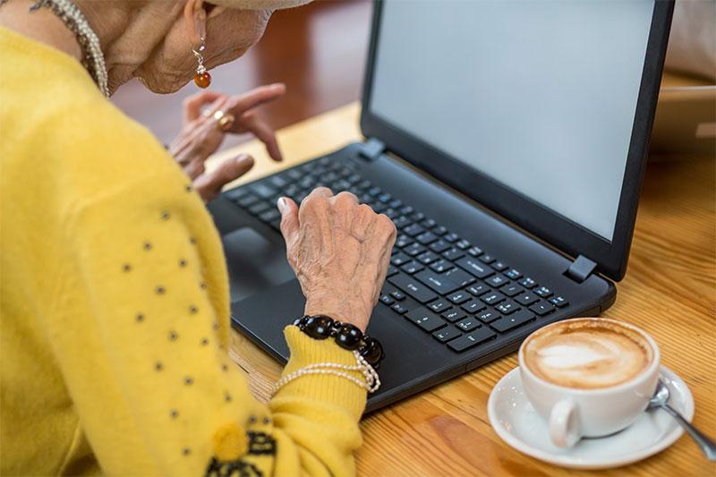 Seniors : Rester connecté et bien vieillir