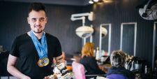 L��lectricien devient champion d�Europe 2014 de coiffure.