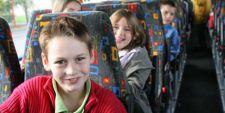photo d'enfants dans un car scolaire